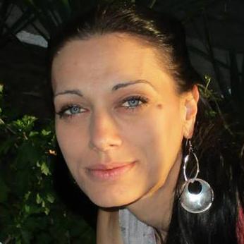Вероника Младенова